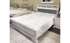 Кровать с резной спинкой Ларго